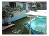 Kamar diatas View kolam Renang