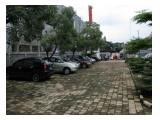 Parkiran luas