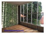 IDEA Kos Ui Depok Green Living Room